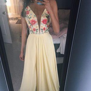 Faviana Dresses - Prom dress: Faviana buttercreme size 0